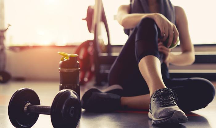 sport-vjezbanje-voda-trening-elektroliti-izotonici-magnezij-kalcij-sportski-napitci