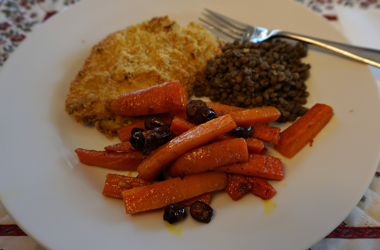 Braised carrots with turkey escalopes