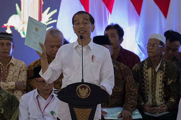Wiranto Sebut Karhutla Domainnya Pemda, Said Didu: Pembagian Sertifikat adalah Domain Ketua RW