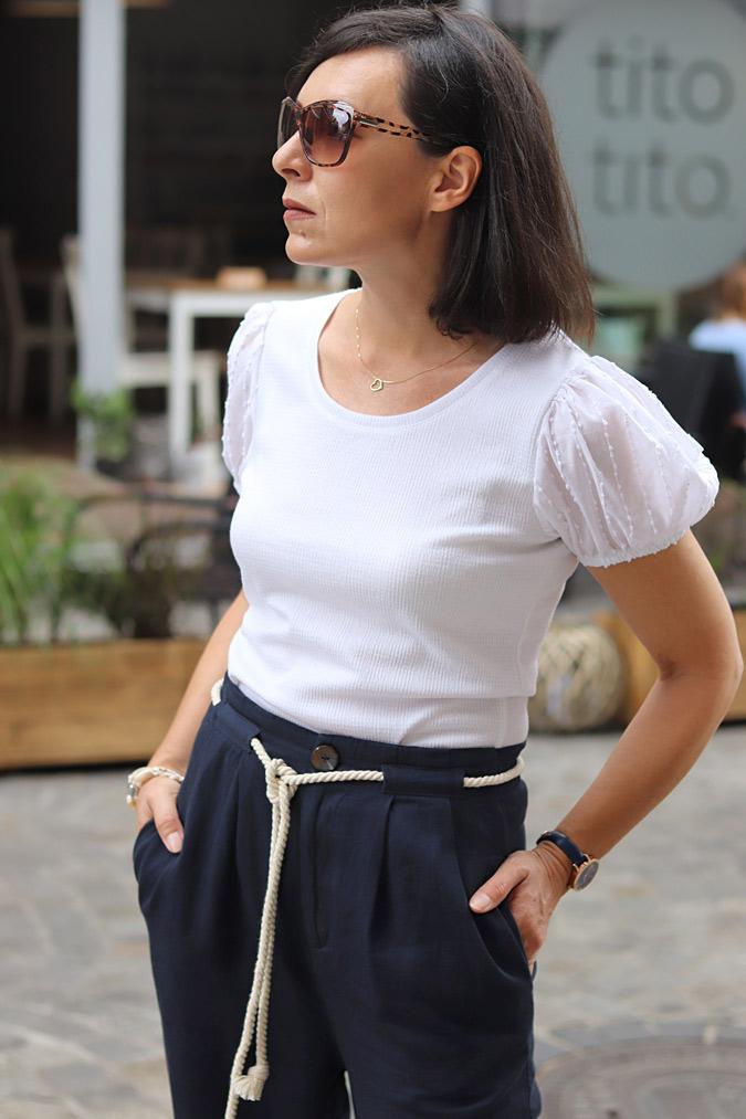 bluzka z bufkami na ramionach biała