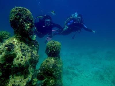 Esculturas no fundo do mar