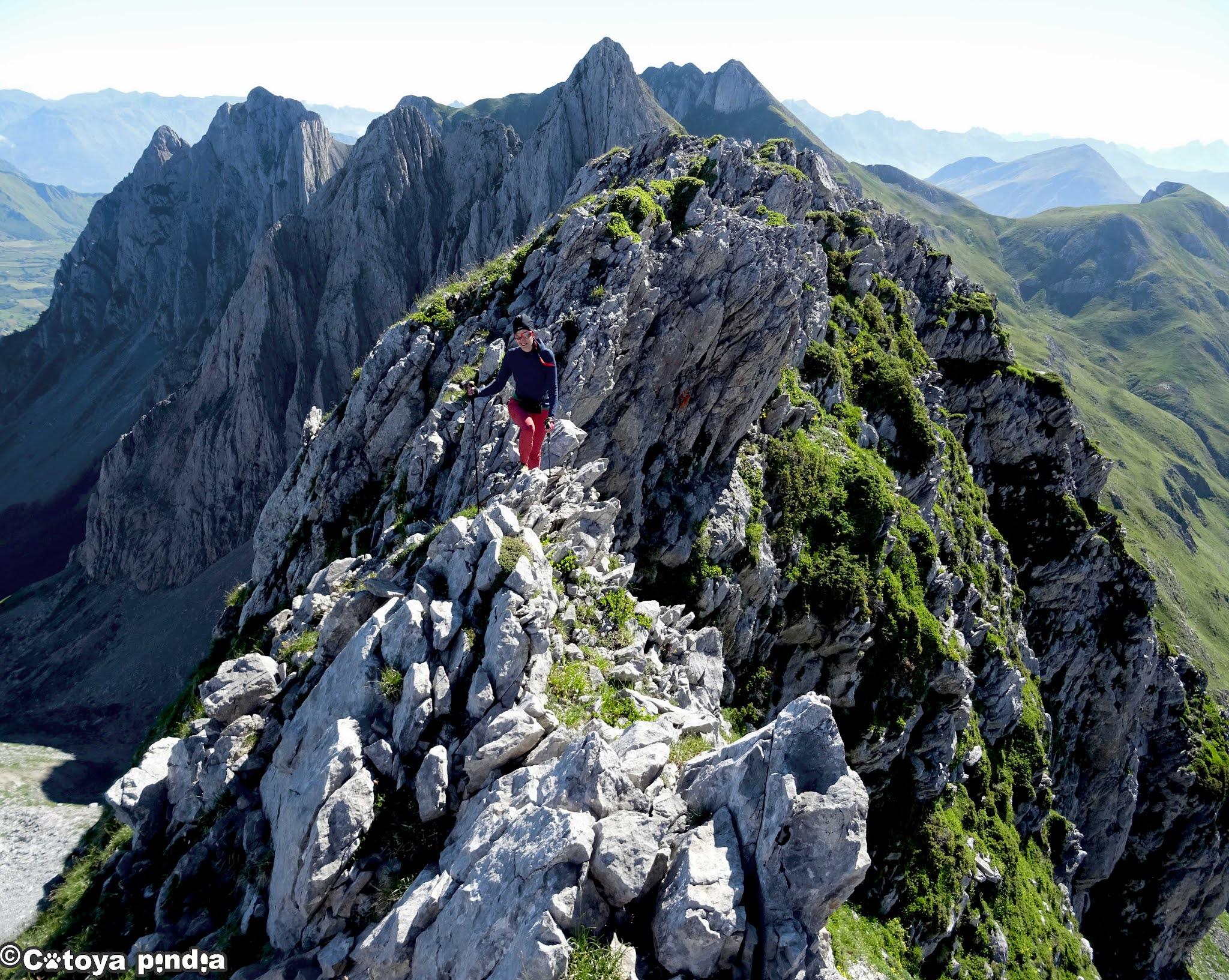 Cresteando 9 dosmiles del Parque Natural de los Pirineos Occidentales
