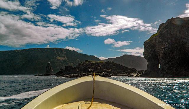 Ilha de Páscoa: passeio de barco às ilhas sagradas dos Rapa Nui