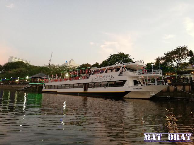 Signature Sunset Cruise - Sarawak River Cruise