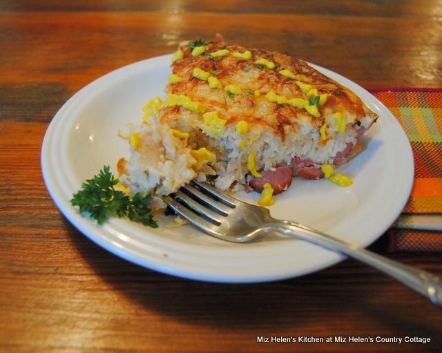 Oktoberfest Pie at Miz Helen's Country Cottage