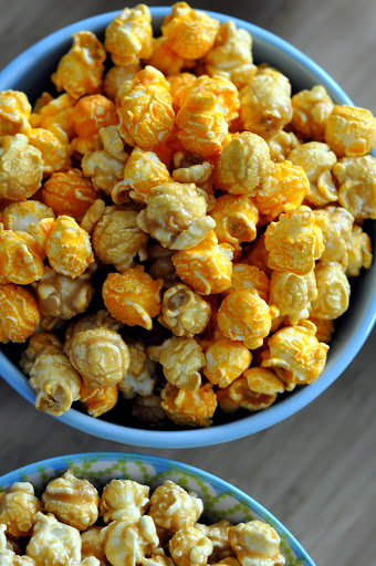 G-H-Cretors-Chicago-Mix-Popcorn-tasteasyougo.com