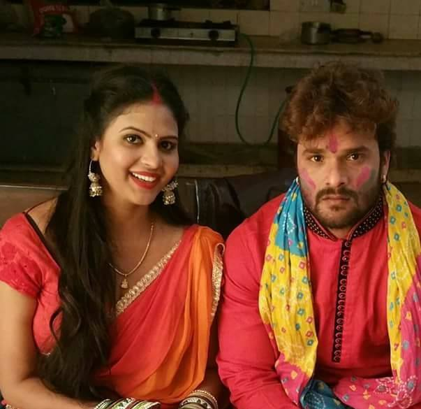 Chandni Singh and the support of Khesari Lal Yadav