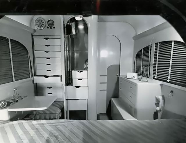 Jungle Yatch - Apartment Dalam Kereta Pada Zaman Dahulu