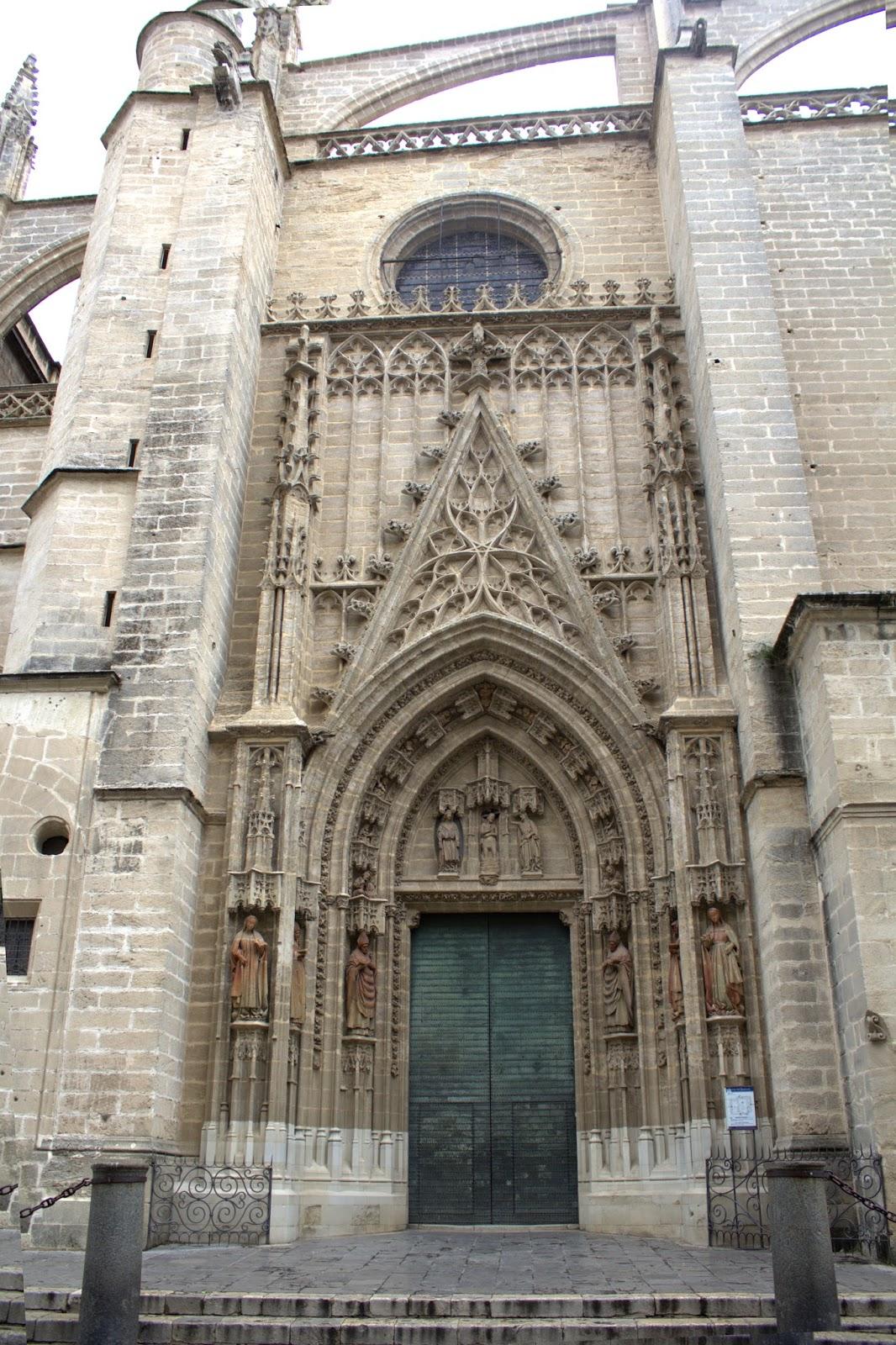 Sevilla vida y leyenda la puerta del bautismo de la - Puertas uniarte sevilla ...