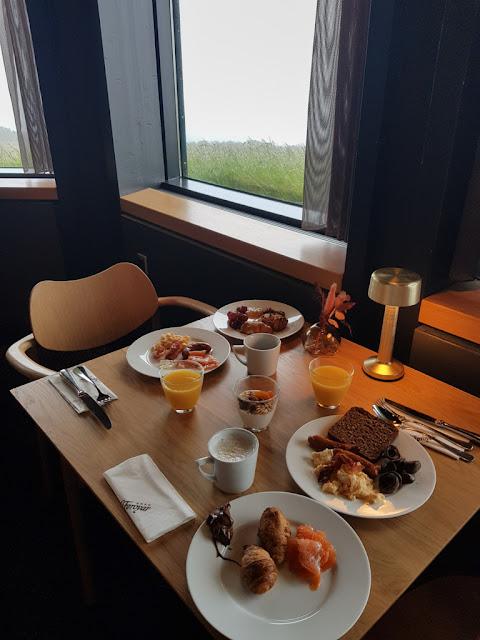 Colazione all'Hotel Føroyar