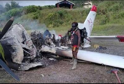 Efek Pembakaran Pesawat oleh OPM di Papua, Maskapai Keluarkan Zona Merah Larangan Terbang