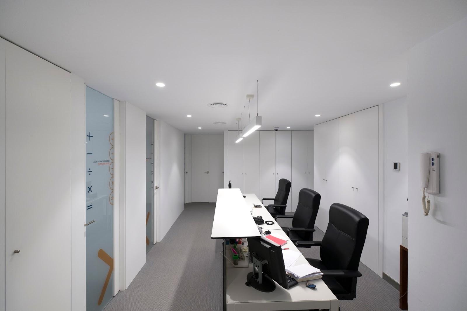 Pujol cruz pizarro arquitectos reforma de oficinas en c diz for Oficinas bankia cadiz
