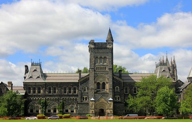 Top Universities In Canada.