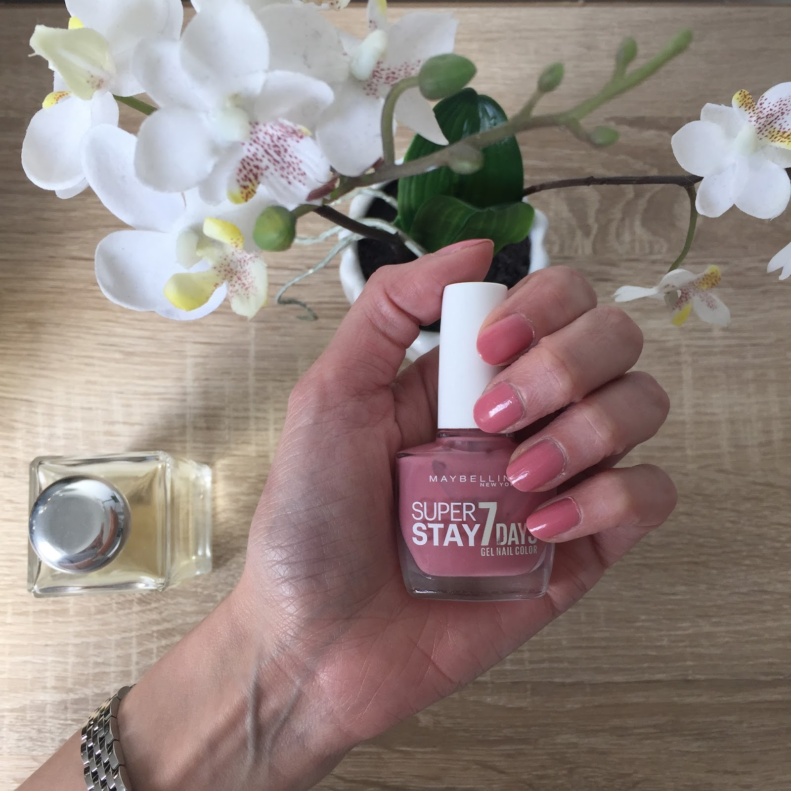 August Favourites 9 - Maybelline Super Stay 7 Days Gel Nail Color in Nude Rose