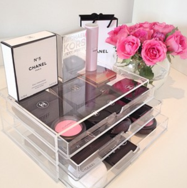 Dubai Fashionista Makeup Storage Ideas