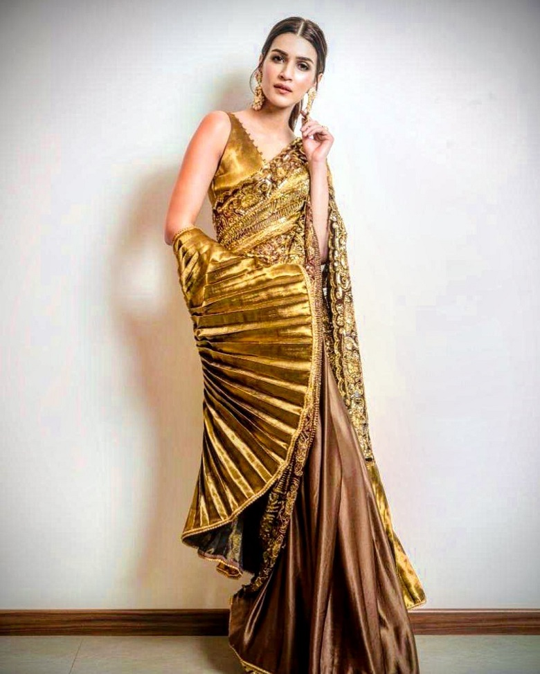 Kriti Sanon in Manish Malhotra Designer Saree - Gold is Gold!