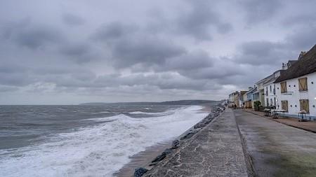 Perpindahan Panas Terjadinya Angin Darat dan Angin Laut