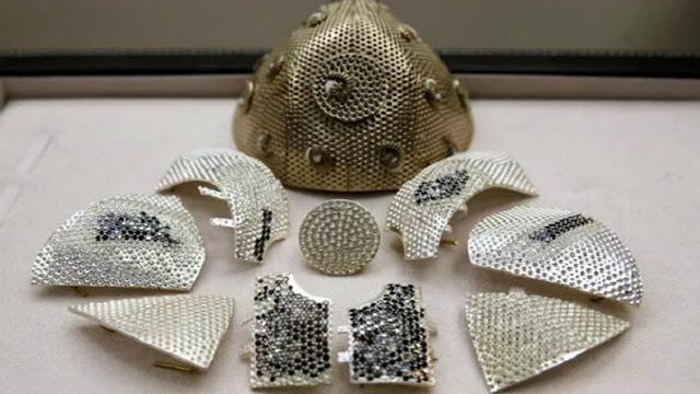 Rp22 Miliar, Inilah Bentuk Masker COVID-19 Termahal di Dunia