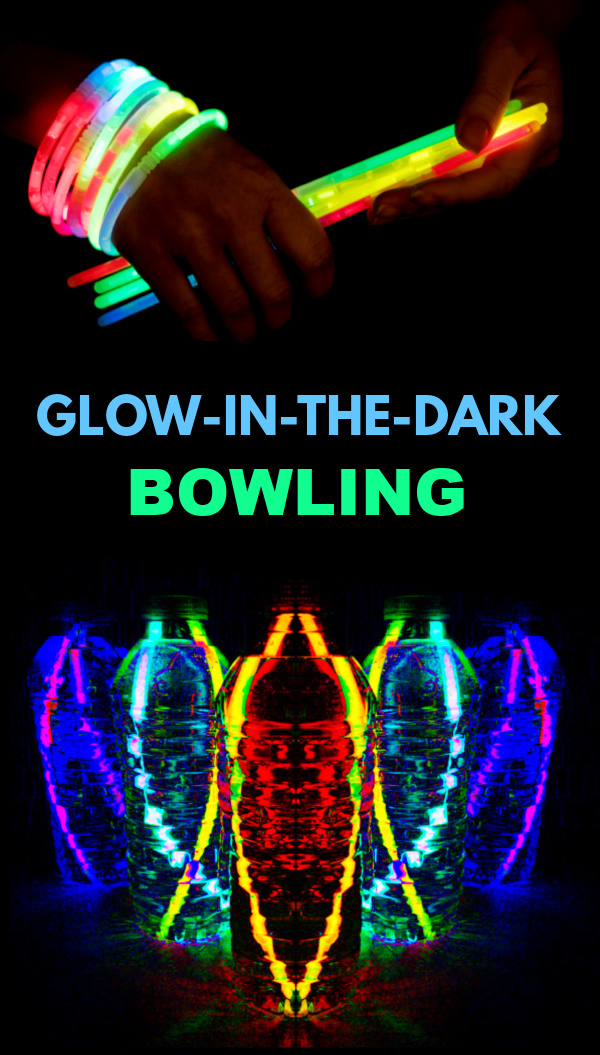 Make your own bowling game using glow sticks and plastic bottles! #glowinthedark #glowinthedarkbowling #diybowlinggame #glowsticks #glowstickbowling #growingajeweledrose #activitiesforkids