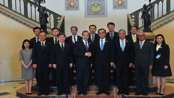 Tailandia y China prometen impulsar relaciones bilaterales