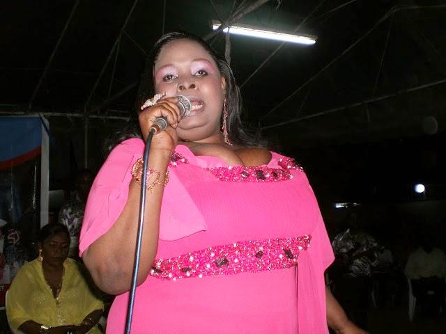 Khadija Yusuph anafaa kuwa mwimbaji bora wa Taarab Tanzania!??...TAARABU  ZETU