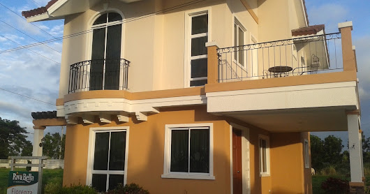 Fiorenza Premium House and Lot package in Golf community Subdivision House and lot rush rush for sale in Cavite