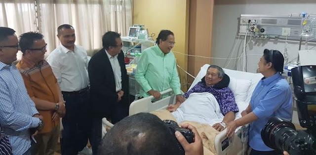 RR Besuk SBY, Mulai Cipika Cipiki Sampai Diminta Jelaskan Situasi Ekonomi