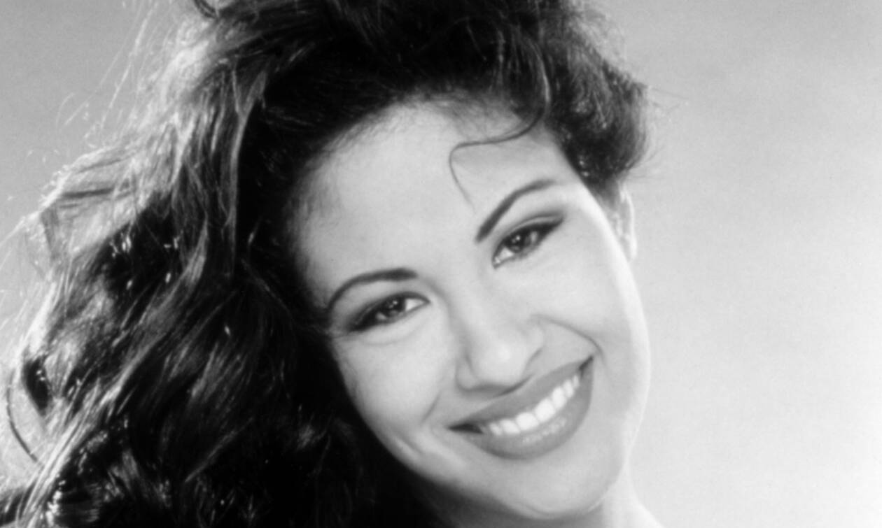 The tragic story of singer Selena who was murdered by the president of her fan club