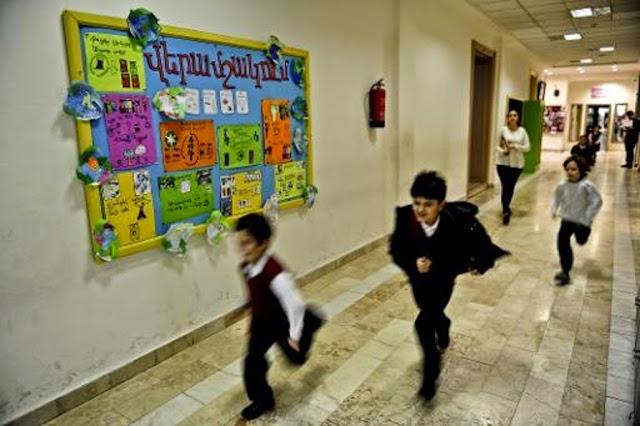 Armenia no regresará al sistema educativo de 10 años