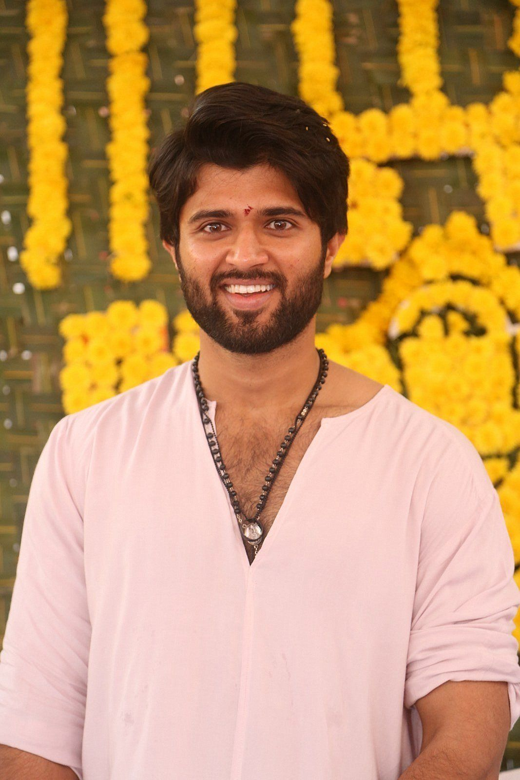 Vijay Devarakonda pujari look