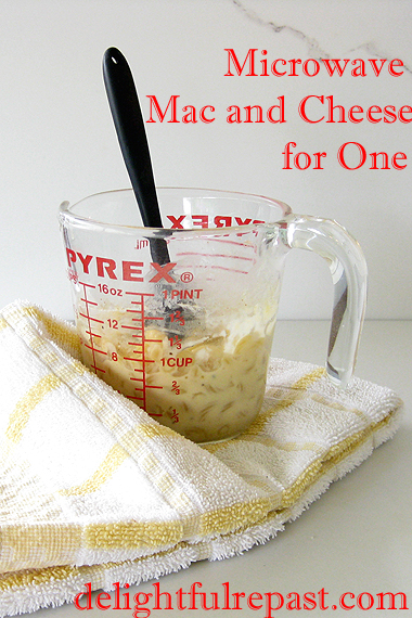 Microwave Mac and Cheese for One / www.delightfulrepast.com