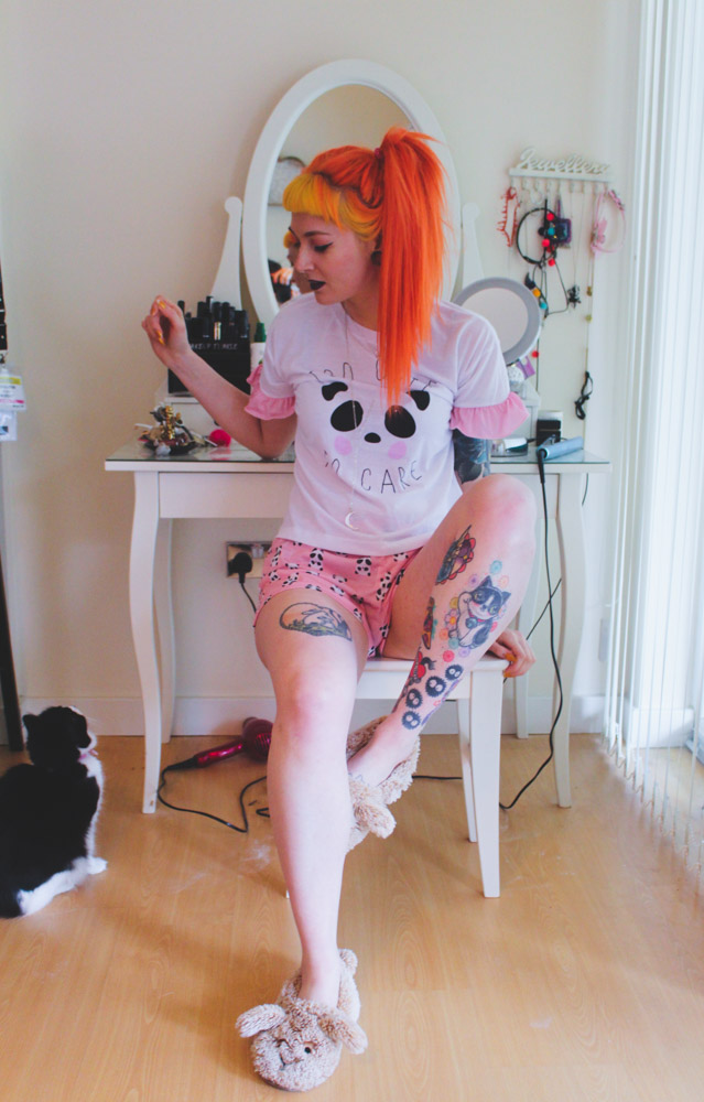 Alternative Fashion Blogger Foxxyailz in Just Peachy Pyjamas