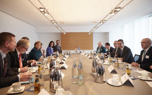 Ο Κυρ. Μητσοτάκης στο Βερολίνο: Ο λόγος σου με χόρτασε και το ψωμί σου φάτο