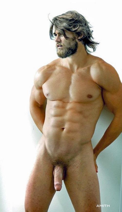 sovsem-goliy-muzhchina