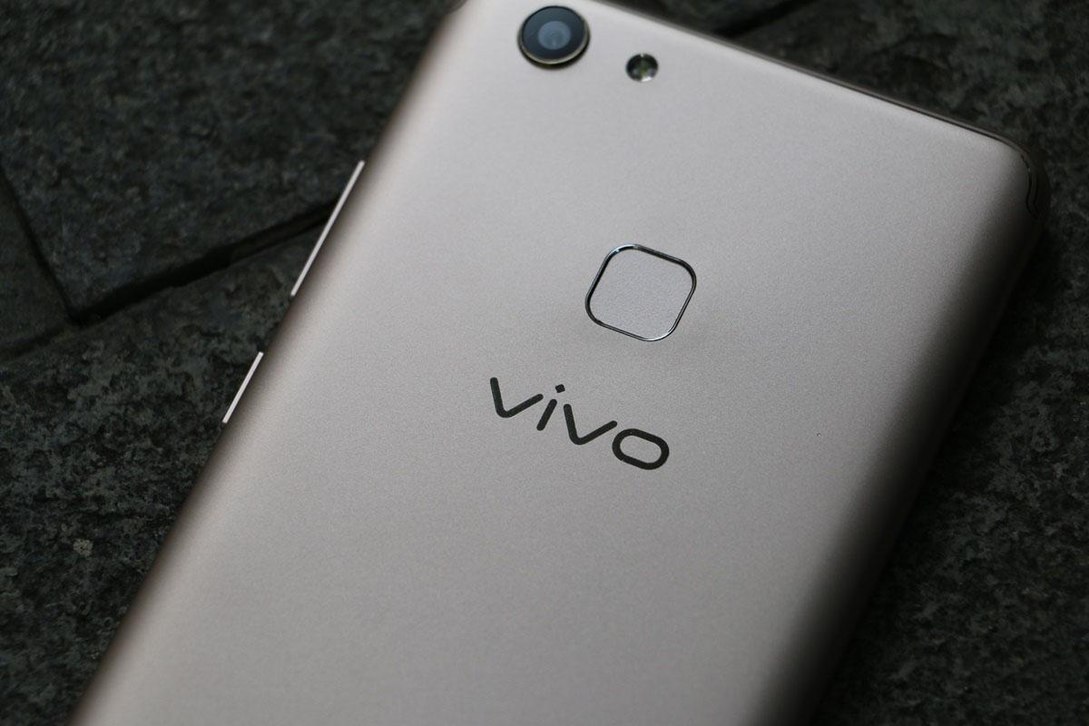 Đánh giá ViVo V7+ Chiếc điện thoại có màn hình tràn viền và Camera khủng 24MP
