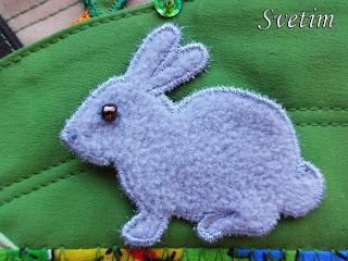 серый кролик из флиса