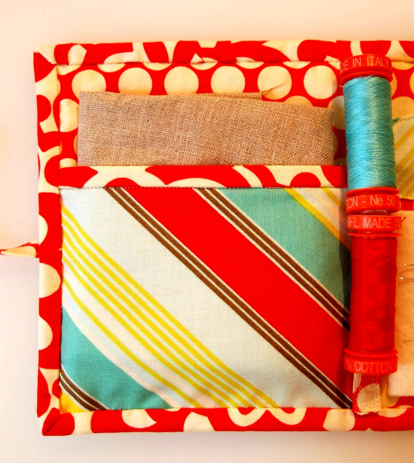Travel Sewing Kit Pattern & Tutorial