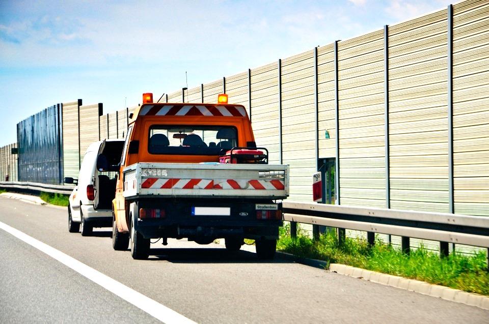 Awaria samochodu na autostradzie? - Pomoc drogowa temu zaradzi!