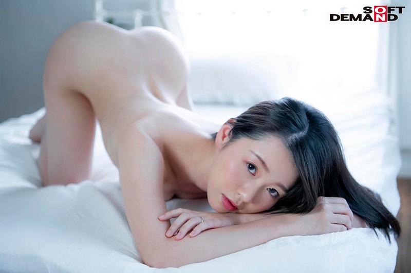 SOD人妻系列最强美乳!让爷爷们都动心的身材教科书「坂井千晴」来了!