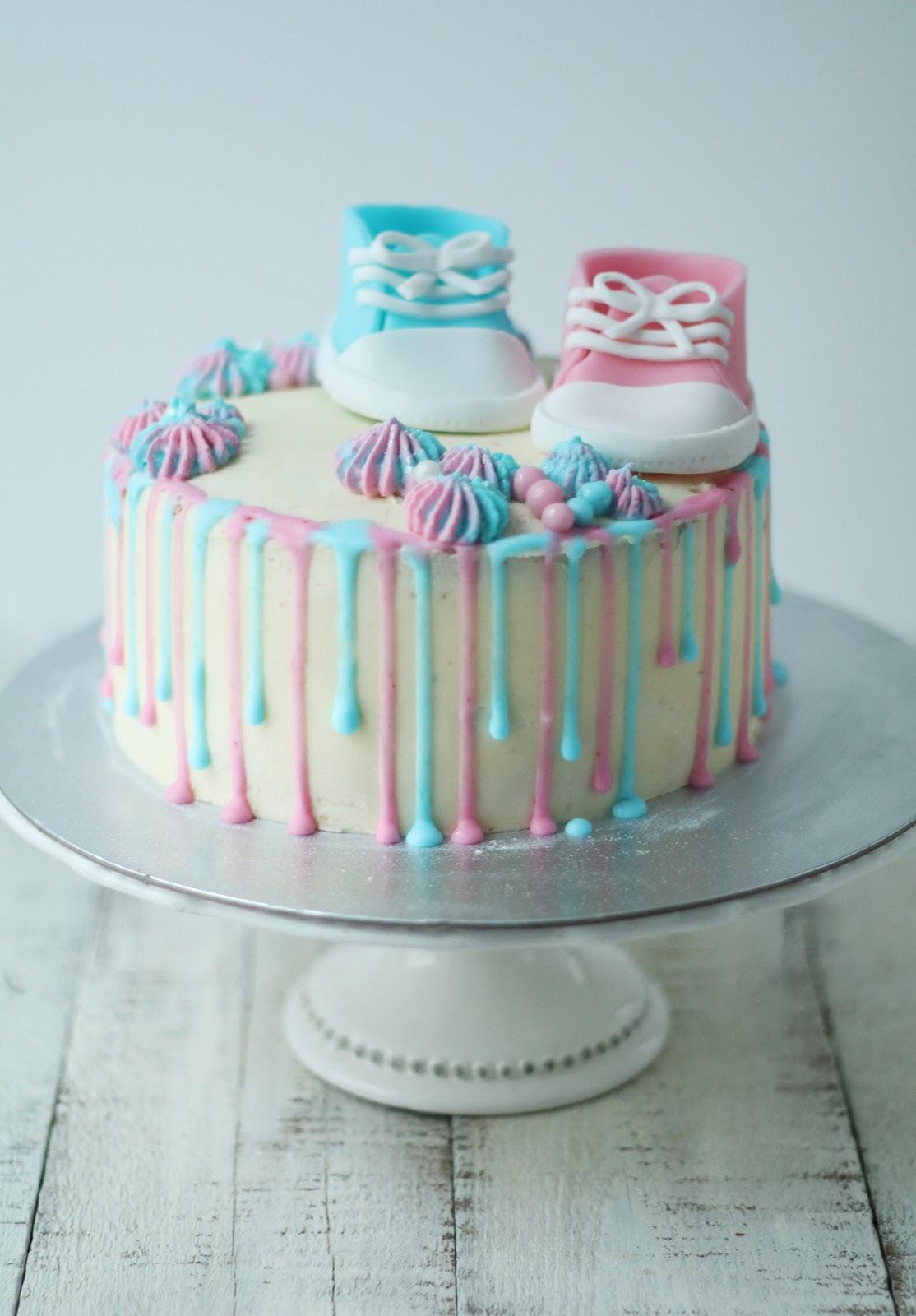 Découvrez le sexe du bébé grâce à cette recette de Layer cake de naissance ou Gender reveal cake