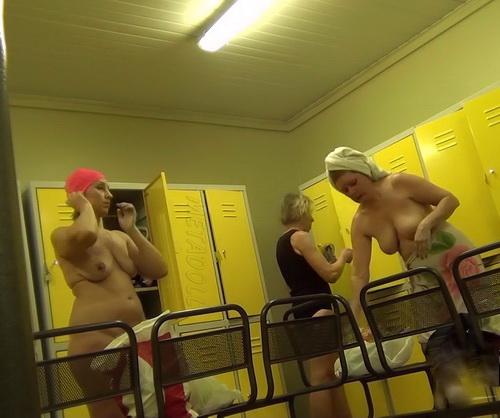 zhenskaya-razdevalka-skritaya-kamera-v-tennisnoy-klube-porno-samoe-prostoe-hom-video