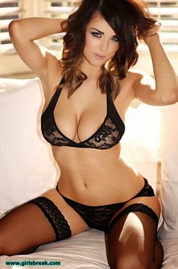 Holly peers uk glamour babe 10