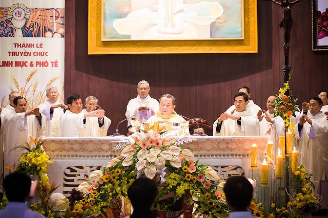 Lễ truyền chức Phó tế và Linh mục tại Giáo phận Lạng Sơn Cao Bằng 27.12.2017 - Ảnh minh hoạ 228