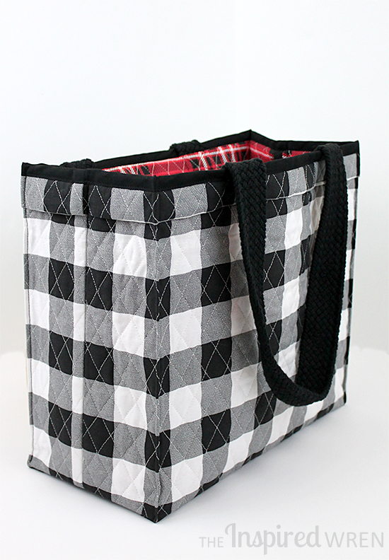 Sew an expensive looking boxy tote bag with this tutorial from The Inspired Wren | Shortcut Quilted Tote