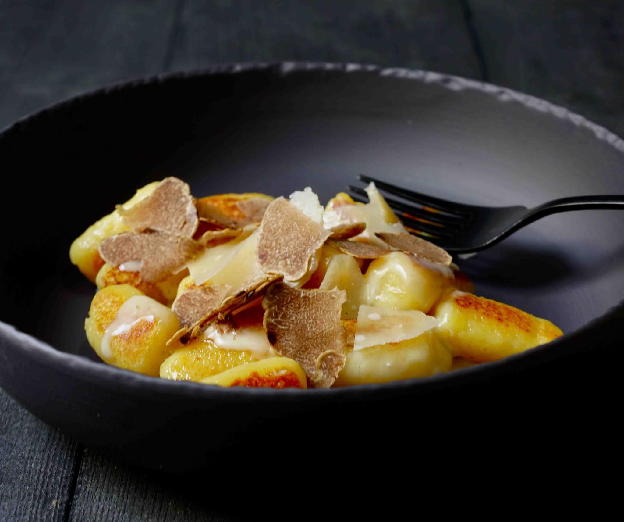 gnocchis maison , truffe alba , truffe blanche