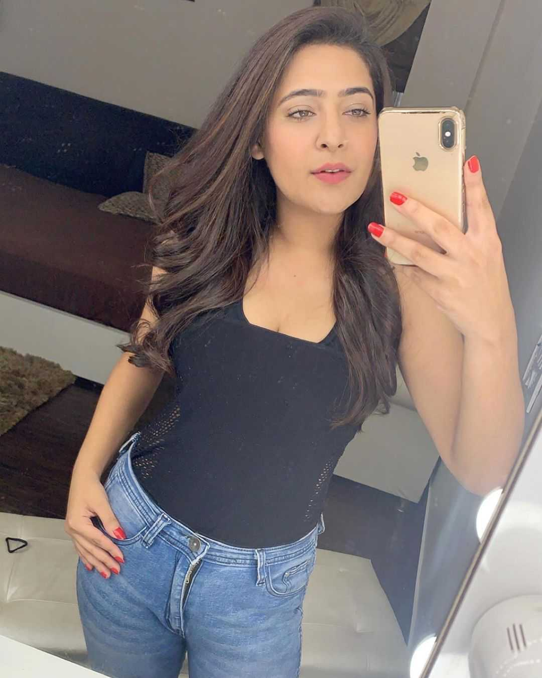 Ullu Web Series Actress Shiny Dixit Photos and Pictures Leaked