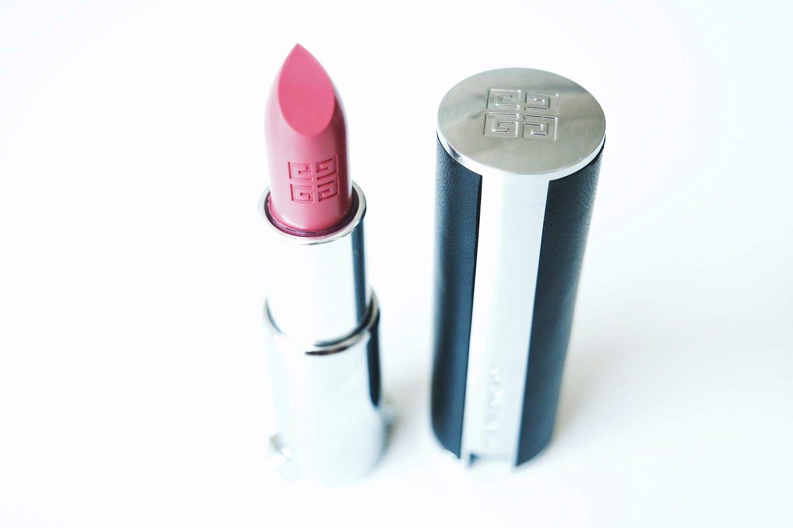 Givenchy Le Rouge lipstick in Rose Dressing 202 close up