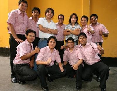 Foto del Grupo América posando para la cámara