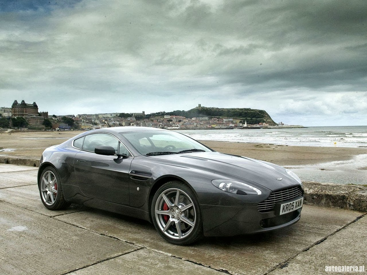 2014 aston martin v8 vantage sport exotic coupe wallpaper prices worldwide for cars bikes. Black Bedroom Furniture Sets. Home Design Ideas