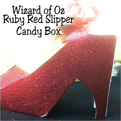 Go off to see the Wizard with these beautiful ruby red slippers carrying yummy candy perfect for your dessert table or party favors at your Wizard of Oz party. These favor candy boxes are so easy to make and are the perfect addition to your party decorations and party bags. #wizardofoz #rubyredslipper #partyfavor #diypartymomblog